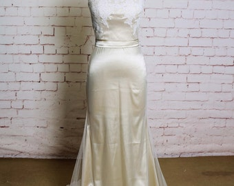 Simple Tulle Sheath Style Wedding Dress with Ivory Lace Semi-Sweetheart Neckline Bridal Gown with Champagne Lining