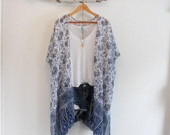 Long bohemian kimono * With tassels * Flower pattern *