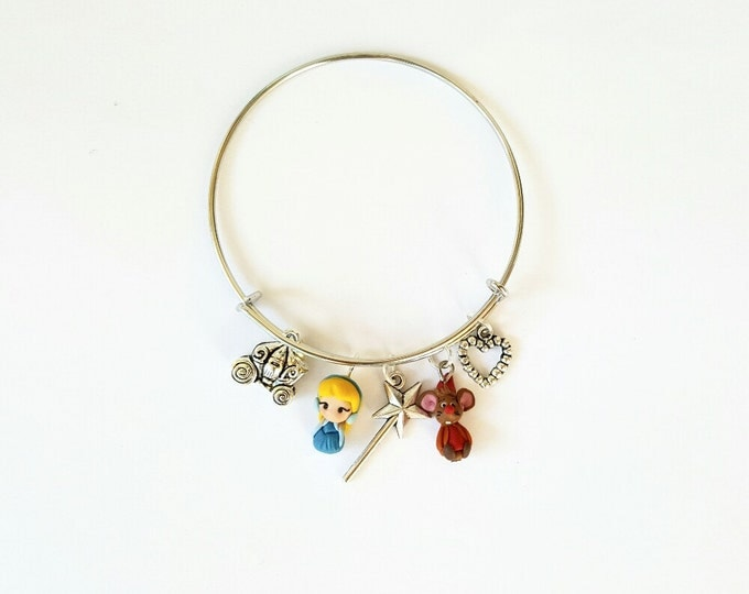 Cinderella and Giac, princess disney inspired bangle bracelet, Adjustable, Disney Princesses. Disney jewelry. Clay charm. Kawaii jewels.