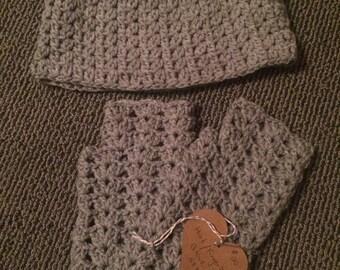 Hat and Fingerless Gloves