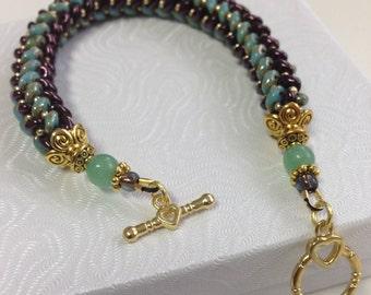 Green beaded bracelet, Bead weave bracelet, burgundy bracelet, Birthday gift, Anniversary gift, Mothers day gift, gift for women