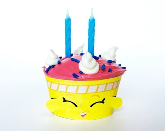 12 Cupcake Wrappers - Wishes inspired - for regular size cupcakes - Shopkins themed party