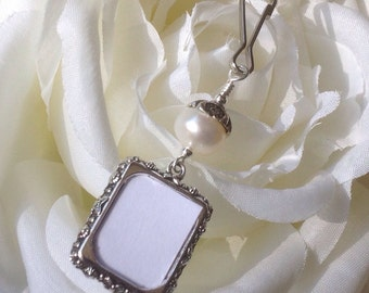 Wedding bouquet photo charm. Memorial picture frame charm with freshwater pearl. Bridal bouquet charm. Bridal shower gift for a bride.