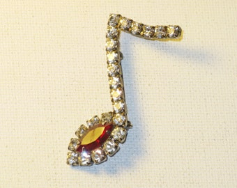Vintage Red and Clear Rhinestone Music Note Brooch Pin (B-3-2)