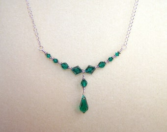 Crystal Necklace Emerald Green Teardrop Necklaces for Women 16 Inch Dark Green Jewelry Gift Ideas for Her Emerald Crystal May Birthstone