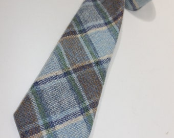 vintage 70's - 80's Tweed neck tie -'Woven & Made in Scotland'- Wool - pastel colors. Absolutely beautiful...