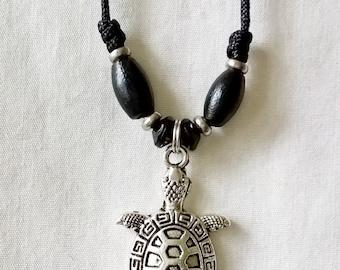 Very Nice Turtle Pendant Necklace