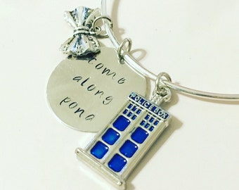 Come Along Pond Eleventh Doctor Amy Pond Doctor Who Companion TARDIS Adjustable Bangle Charm Bracelet