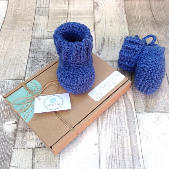 Crochet booties, crochet baby boy shoes, blue booties, newborn 0-3 3-6 months, baby shower gift, gift wrapped, denim blue, photo prop
