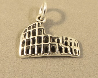 Sterling Silver ROMAN COLOSSEUM Charm Pendant Europe Rome Italy Ruins Coliseum Flavian Amphitheater Forum .925 Sterling Silver New tr72