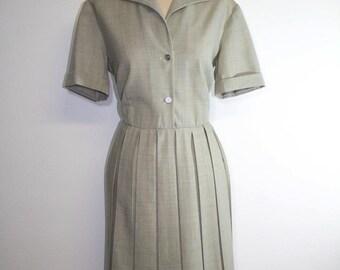 1950s dress / grey shirt dress / classic dress