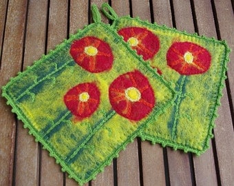 Pot holders - hot pads - felted hot pads - wool hot pads - wool potholders - set of two - set of 2 - felt gift - kitchen decor - flowers