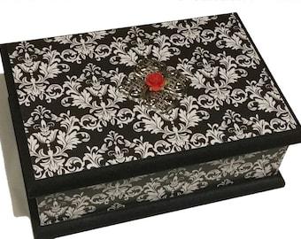 Black & White Damask Keepsake Box, Trinket Box, Treasure box, Jewellery Box, Memory Box, Wooden Box, Wedding Box
