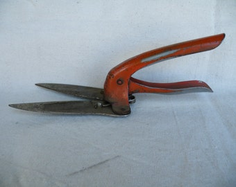 Vintage grass shears grass clippers the lewis eng mfg for Hand held garden shears