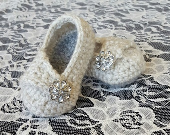 Crochet baby girl wrap shoes, baby girl shoes, baby girl slippers, payton shoe, baby booties, baby shoes, handmade baby gift, baby shower