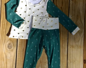 SALE Toddler 2T Baby Outfit long sleeve Pants - Leggings - Green - White Arrows Gold Dots - Cream - Cotton - Jersey - Knit - Stretchy - Soft