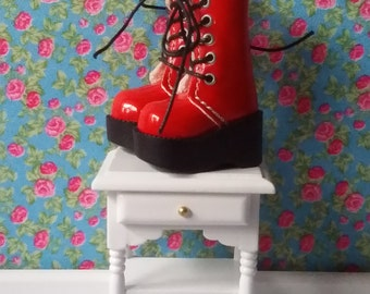 Red platform boots for Blythe, Pullip and Pure Neemo