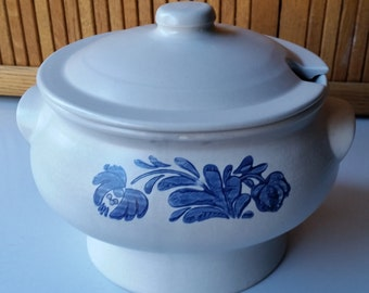 Pfaltzgraff Yorktowne Soup Tureen With Lid