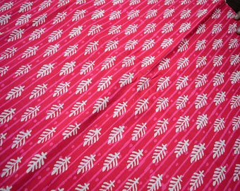 Indian Block Print fabric, Pure Cotton Fabric in Magenta and White, Hand Printed Fabric for summer dresses, Indian cotton fabric by the yard