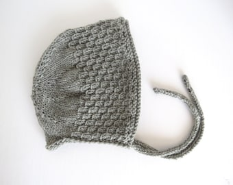 Handknitted hat for baby, old style in grey