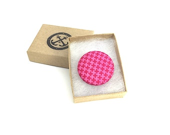 Pink Lapel Pin, Magnetic Lapel Pin, Pink Houndstooth, Magenta Lapel Pin, Fabric Lapel Pin, Jacket Pin, Suit Accessory, Groomsmen Gifts