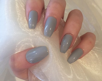 Grey glossy coffin false nails