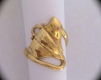 18K Manta Ray Ring