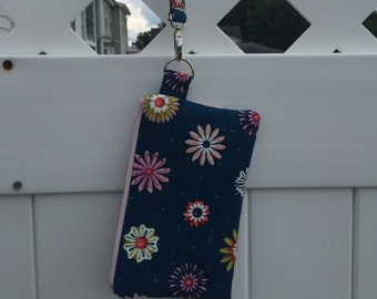 Floral Wristlet on the Go
