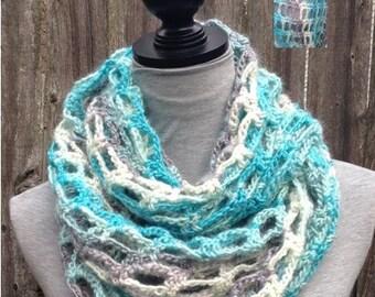 Hommeish Crochet infinity scarf