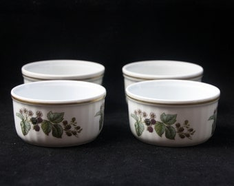 Four Royal Worcester Fine Oven China Ramekins in the Lavinia pattern (Blackberries) 3.25 inches Excellent