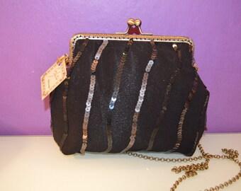 paillettes bag with kiss clasp