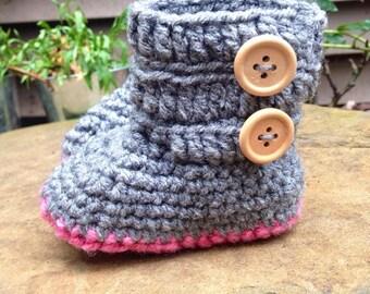 Baby Booties! Baby crochet baby booties. Slouchy baby booties. ugg booties. baby girl booties. baby boy booties. crochet booties.