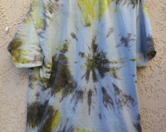 XL Black and yellow abstract spiral tie-dye t-shirt