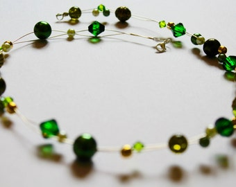 Mixed green beads necklace
