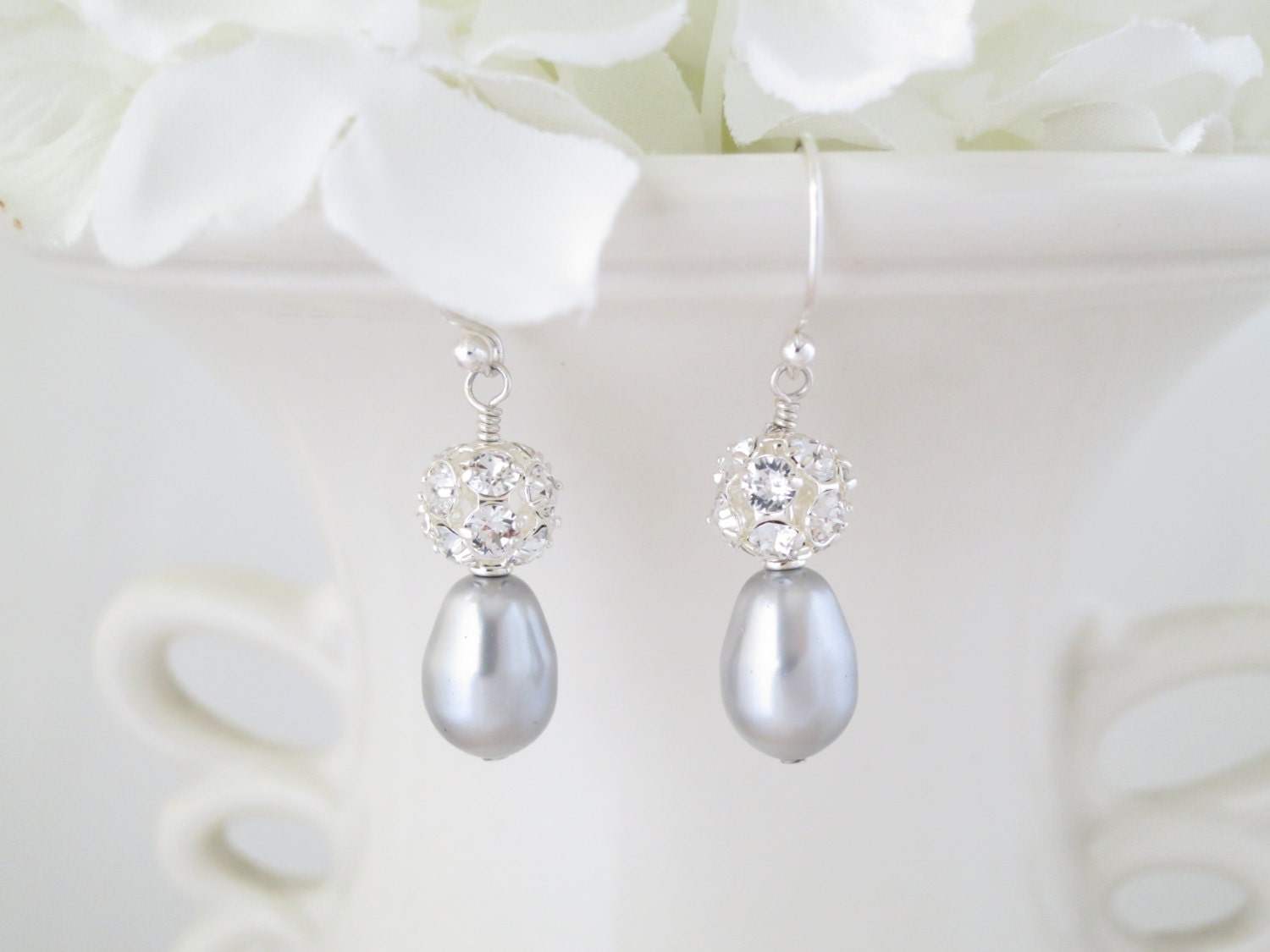Swarovski teardrop bridal earring, Gray pearl wedding earring