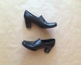 Vtg 90's black leather heels / LIZ CLAIBORNE / women's size 7 shoes