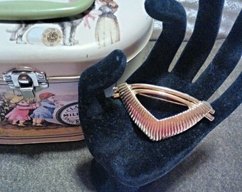Signed CM JENT Vintage gold tone Art Deco Brooch/Pin