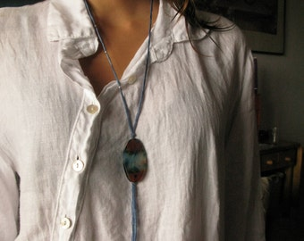 Silk ribbon necklace, agate and silver details.
