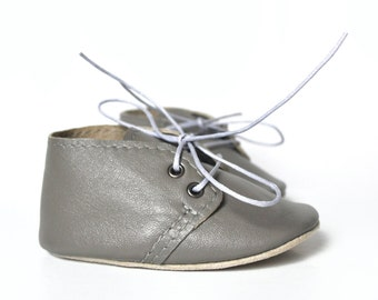 SALE Gray baby shoes, Leather baby oxfords, Baby boy shoes, Soft sole baby shoes, Baby moccasins, Newborn gift, Baby shower gift, Crib shoes