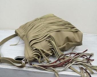 Fringe leather bag beige bag Crossbody leather bag. Leather fringe purse. Handmade. Handbag. Beige.