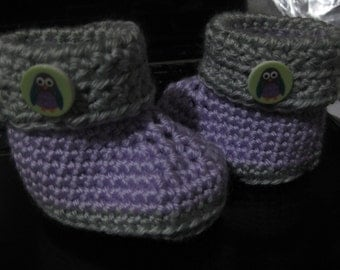 Lavender and Grey baby booties with Owl buttons 6-12 months