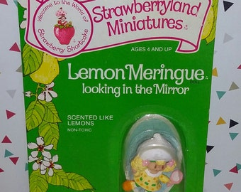 Vintage 1980s Kenner Strawberry Shortcake Lemon Meringue Mini Figure on Card