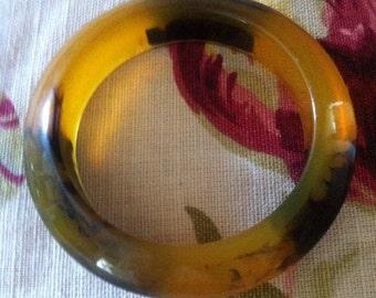 SALE Vintage Bangle Lucite Amber, Olive Black