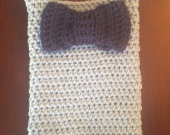 Crochet Wine Carrier with Bow