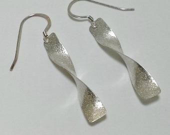 Twist earrings