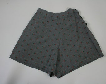 "1940s TYRELLS high waisted shorts / 23"" waist 36"" hips"