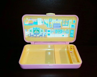 Polly Pocket Compact * Pretty Hair Playset by Bluebird Toy's 1990 including one Polly