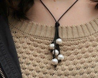 Short Freshwater Pearl and Leather Lariat Necklace