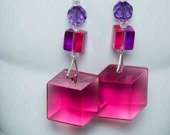 Fuchsia and purple lucite necklace and earring set-G112