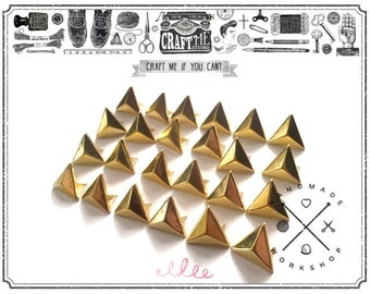 50PCS 8MM GOLD TRIANGLE pyramid studs Glam rock biker NAILHEADS Leathercraft